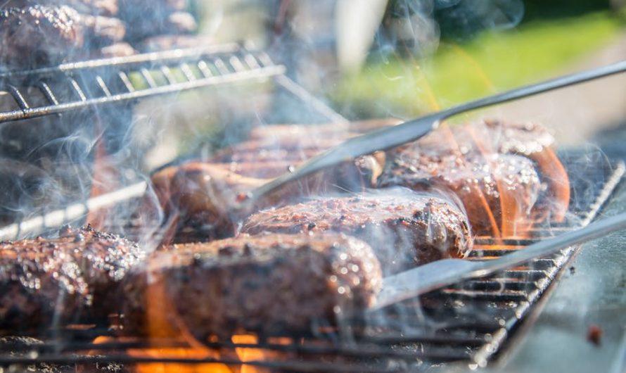 Hoe Gebruik je Vlees Kopen Voor de BBQ Voor het Koken van Vlees